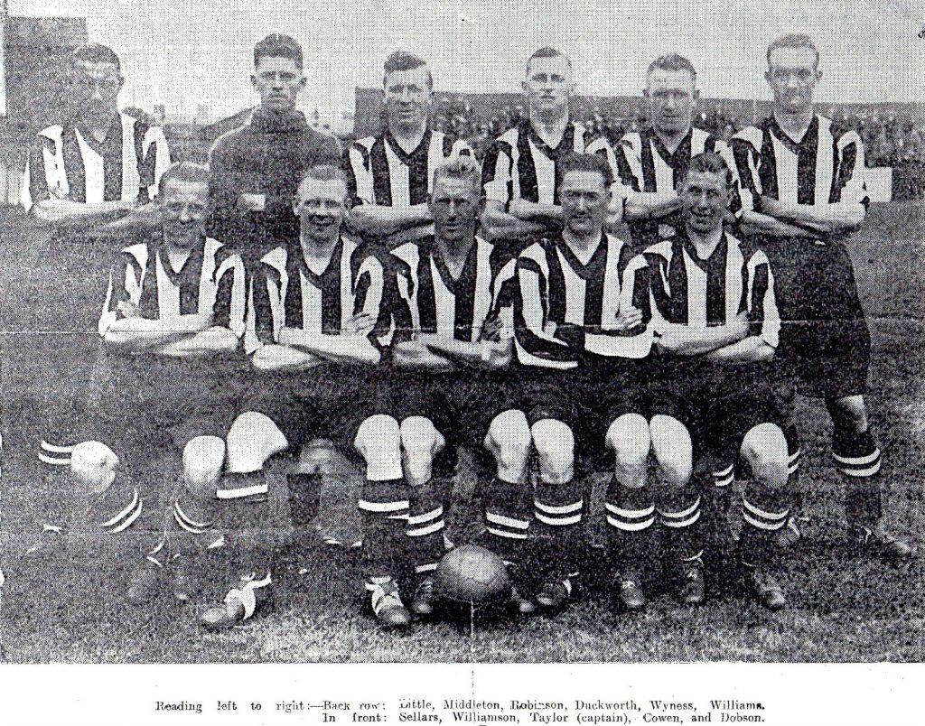 Team Photo - 27/08/1932 v Barrow